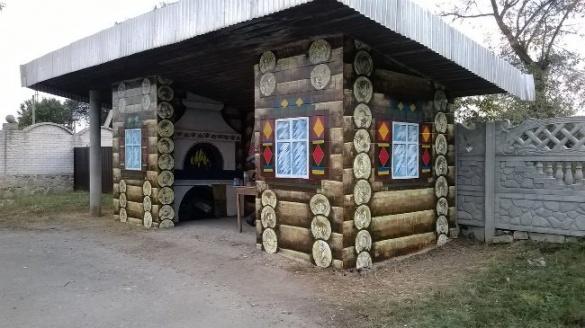 На Черкащині з'явились незвичайні автобусні зупинки (ФОТО)
