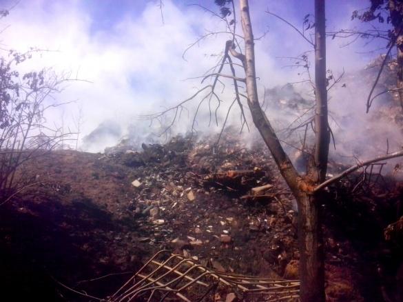 В Умані кілька днів горіло сміттєзвалище