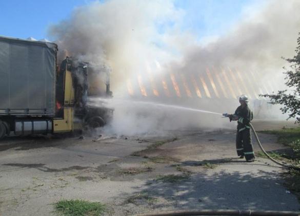 Через коротке замикання на Черкащині загорілася вантажівка