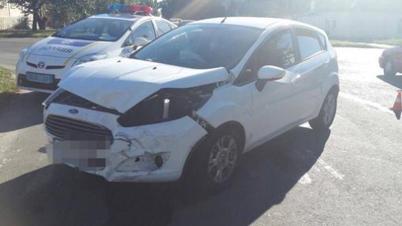 На перехресті в Черкасах зіткнулися дві автівки