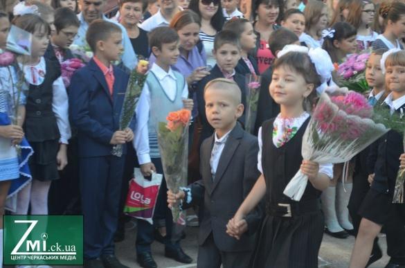 Як діти відомих черкащан вперше до школи пішли (ФОТО)