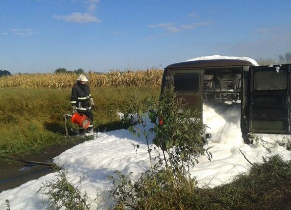 На Черкащині під час руху спалахнув автомобіль