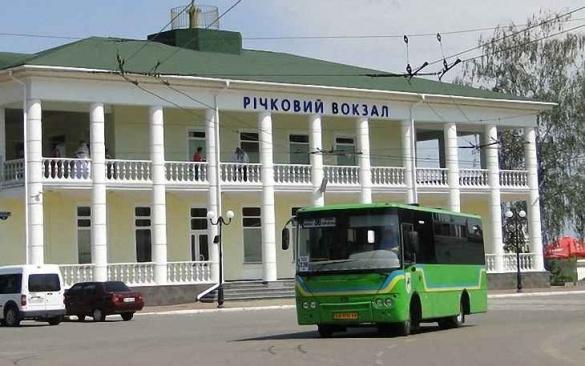 Водії черкаських автобусів влаштовують перегони на дорогах