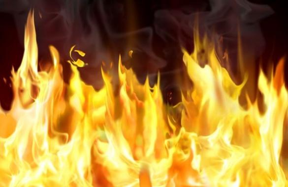 Черкаські рятувальники гасили пожежу в торговому павільйоні