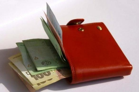 Безробітні черкащани отримують більше півтори тисячі гривень