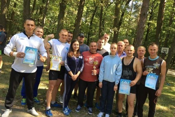Черкаські рятувальники показували свою міць на спортивних змаганнях (ФОТО)
