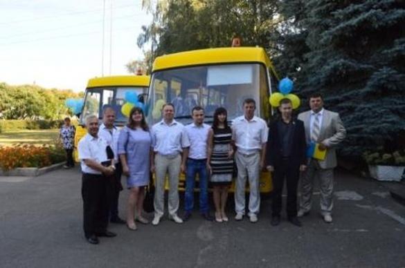 Відтепер черкаські школярі їздитимуть на уроки автобусом