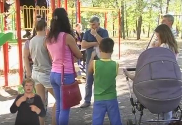 Черкащани обурені антисанітарією на дитячому майданчику