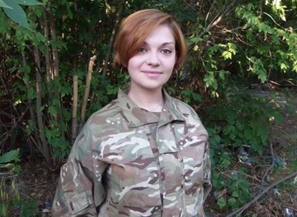 Замість сукні – військова форма: юна черкащанка служить радіотелефоністкою на Сході