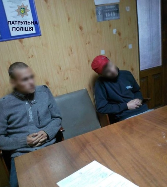 Невідомі вимагали гроші у черкаського студента