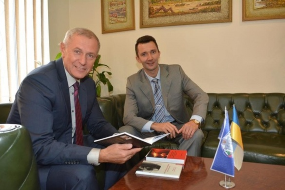 Кабінет  Міністрів України нагородив черкаського викладача премією