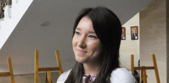 У Черкасах до Дня миру відкрилась виставка доньки загиблого атовця (ВІДЕО)