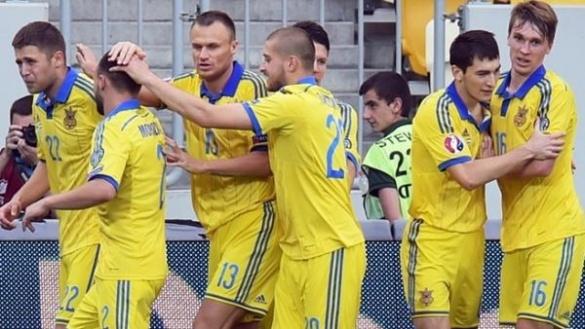 Футбол об'єднує. Що спільного у черкаських депутатів та гравців збірної України?
