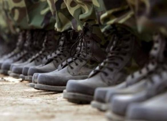 На військову службу за контрактом на Черкащині набирають і чоловіків, і жінок