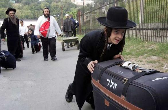 Прикордонники нарахували майже 19 тисяч паломників-хасидів, які їдуть до Умані