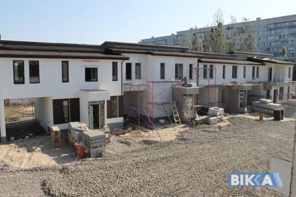 У Черкасах з'являється новий вид житла - квартири на землі