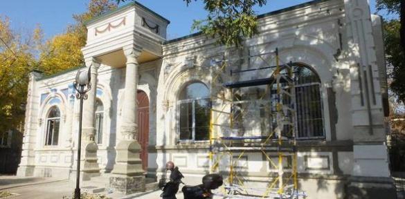 У Черкасах ремонтують Будинок трауру (ВІДЕО)