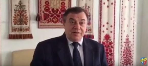 Президент черкаського футбольного клубу на фоні рушників закликав пити пиво