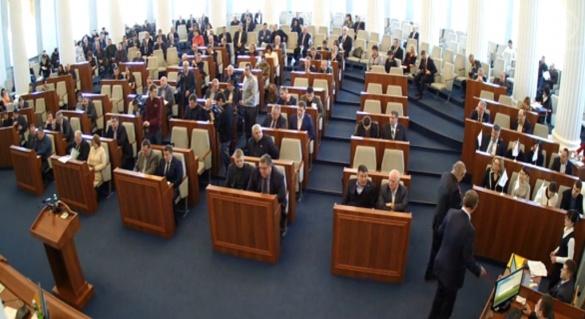 Перед початком сесії черкаські депутати прослухали молитву