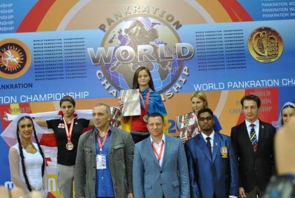 Юна черкащанка втретє стала чемпіонкою світу з пакратіону
