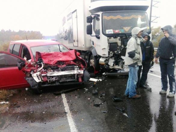 На дамбі поблизу Черкас сталася смертельна ДТП (ФОТО)