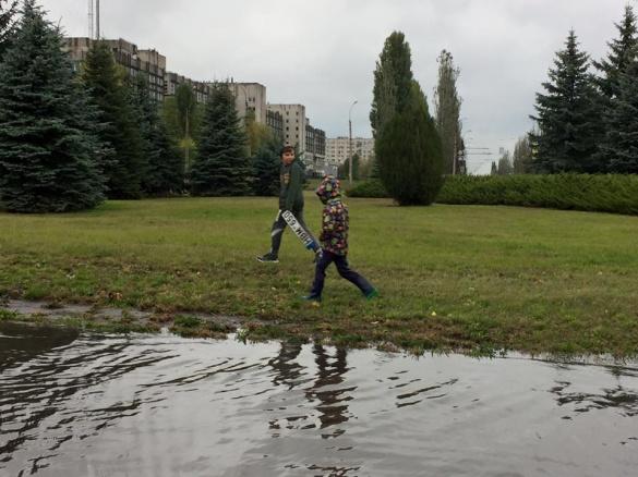 У Черкасах через зливу заблоковано рух тролейбусів