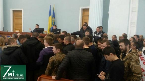 Під час сесії Черкаської облради слова Софронія викликали обурення активістів (ВІДЕО)
