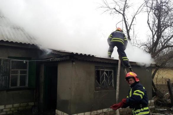 У Черкаській області знову палав будинок (ФОТО)
