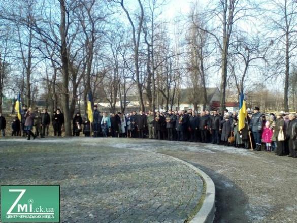 У Черкасах вшанували пам'ять жертв голодоморів (ФОТО)