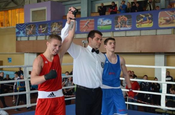 Черкаський боксер тріумфував на чемпіонаті України