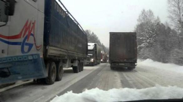 Черкаська служба автодоріг оприлюднила місця відстою під час обмеження руху транспорту