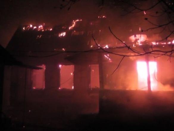 Різдво для черкащанки закінчилося пожежою у власному будинку