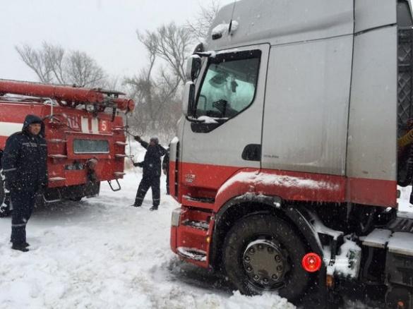 На дорогах Черкащини знову вводили тимчасове обмеження руху транспорту