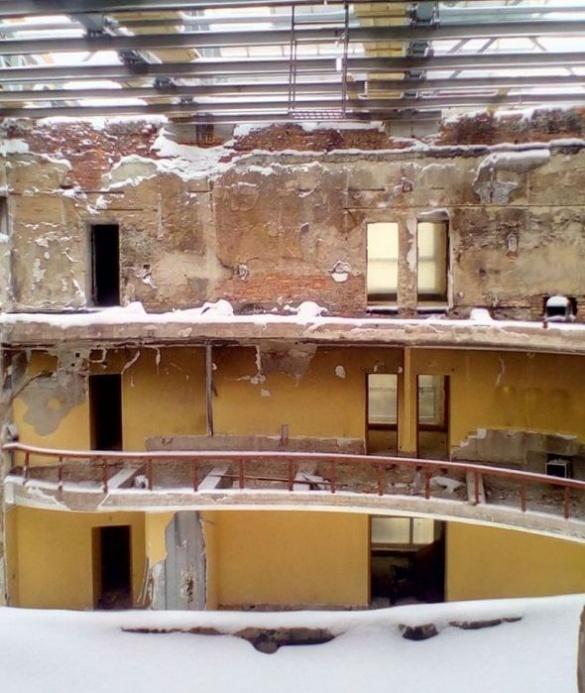 Черкаський драмтеатр замело снігом (ФОТО)