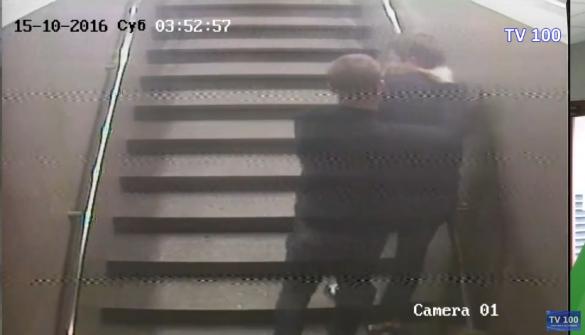 Мати черкащанина, якого до смерті побили біля нічного клубу, оприлюднила відео з камер
