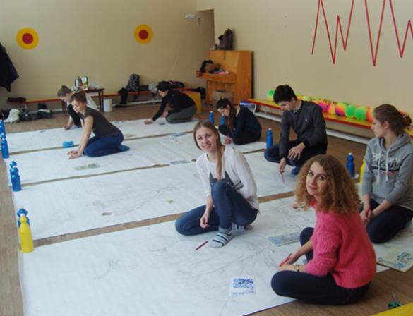 Черкаські студенти розмалювали дитячий садочок