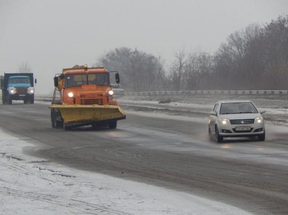 Дорожники запевняють, що обробили покриття у всіх районах Черкащини