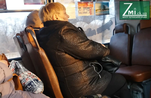 Куди кожного ранку їдуть черкаські бабусі? (ВІДЕО)