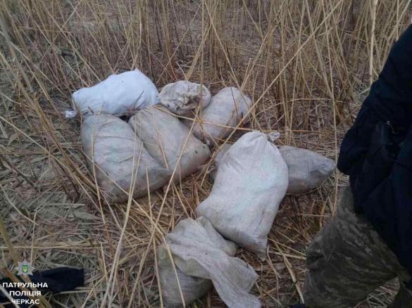 На Черкащині браконьєри наловили вісім мішків риби (ФОТО)