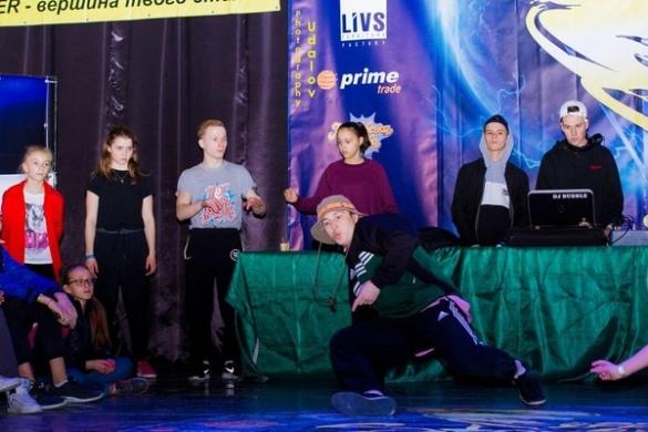 Вихованці черкаського хореографа танцюють разом з Мадонною та Монатіком