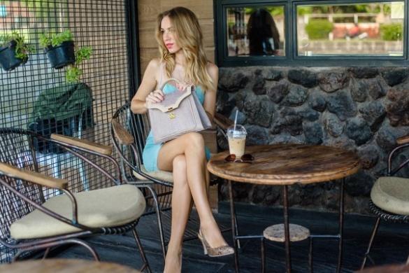 Стильна екзотика: черкащанка на Балі розвиває власний бренд сумок зі шкіри рептилій