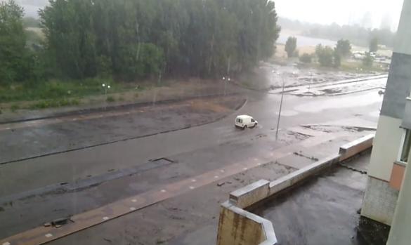 На новій вулиці у Черкасах після зливи утворилось
