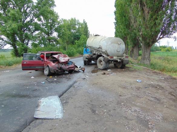 ДТП на Черкащині: водій загинув, шестеро пасажирів травмовані (ФОТО)