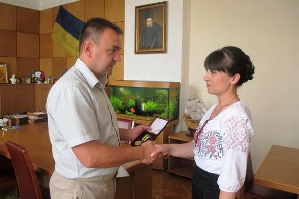 Відома черкаська волонтерка отримала відзнаку від Президента України