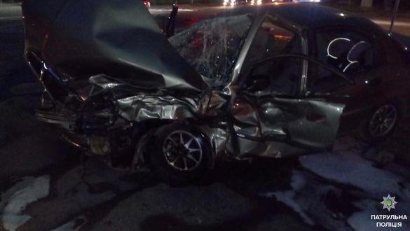 Розбиті машини та четверо людей у лікарні: біля черкаського парку сталася ДТП (ФОТО)