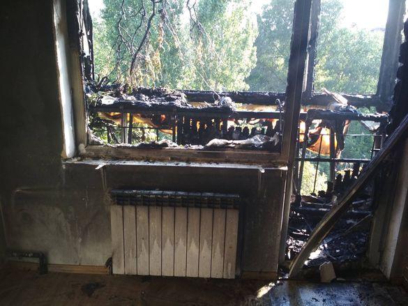 У Черкасах необережність під час куріння обернулася пожежею у багатоповерхівці