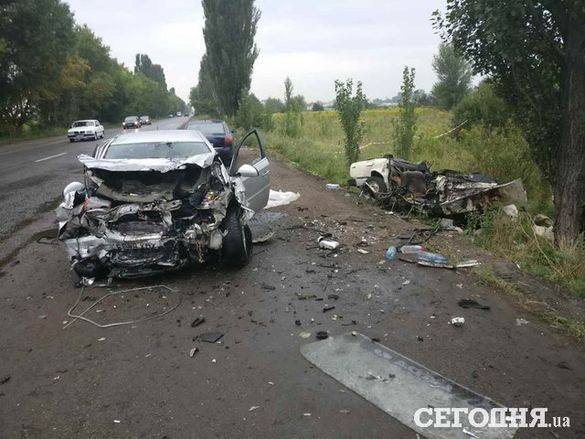 У загадковій ДТП біля Києва не розминулися сусіди-черкащани: семеро загиблих