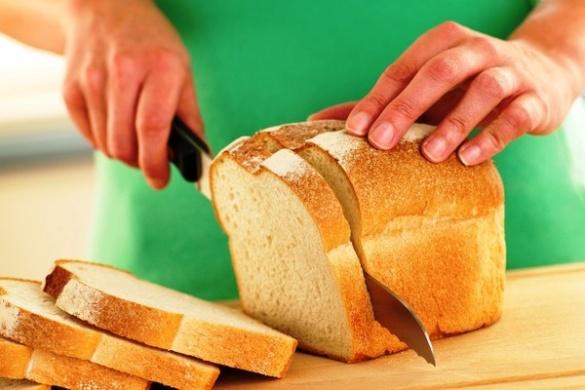 Пліснява невідомого походження: черкащанин провів експеримент над магазинним хлібом