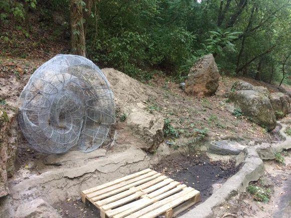 У черкаському парку з'явилися прообрази нових скульптур (ФОТО)