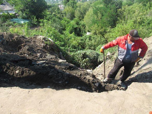 На Черкащині стихійне сміттєзвалище зруйнувало водовідведення